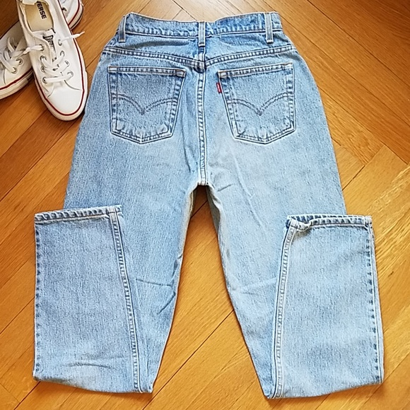 Levi's Vintage 550 Light Wash Mom Jeans by Levi's